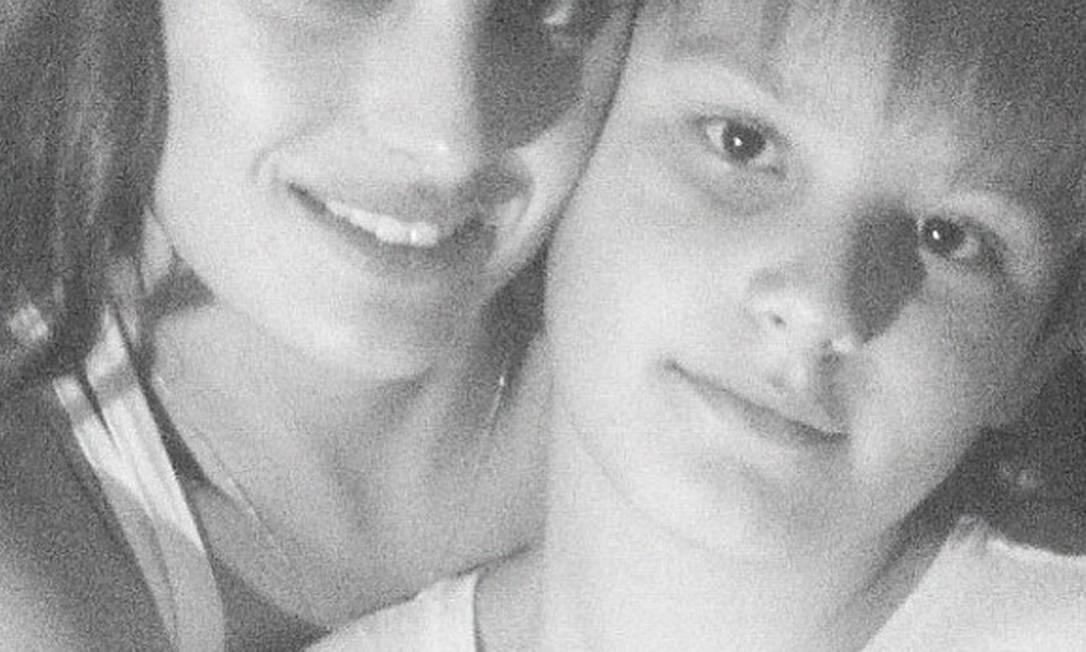 O filho mais velho da modelo, Zion, também passou a virada com a mamãe fashion Reprodução / Instagram
