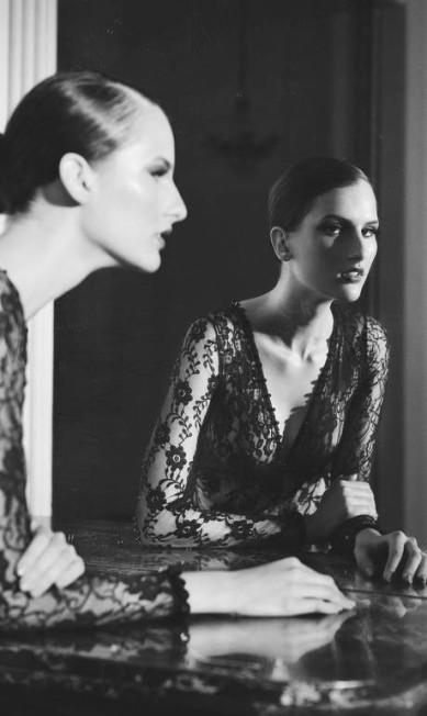 """Kátia Selinger, modelo: """"Eu, por exemplo, iria direto no look mais caro e bafônico da Dior. Afinal, tudo vai acabar e ninguém leva dívidas para a outra vida"""" Picasa / Arquivo Pessoal"""