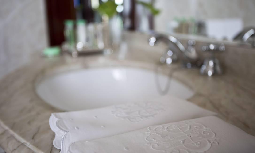 Detalhe dos banheiros das suítes de cobertura Jornal O Globo / Paula Giolito / O Globo