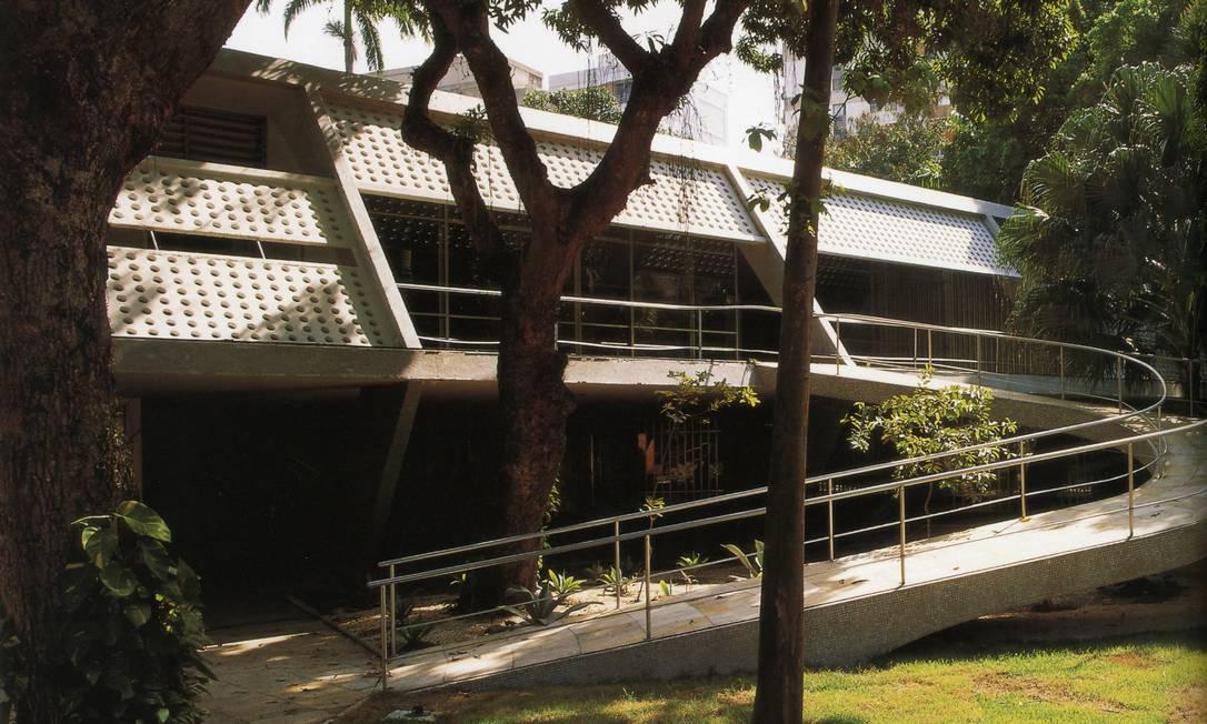 Com todos os elementos modernistas, a Casa Leonel Miranda, no Leblon, é quase uma escultura Terceiro / Reprodução