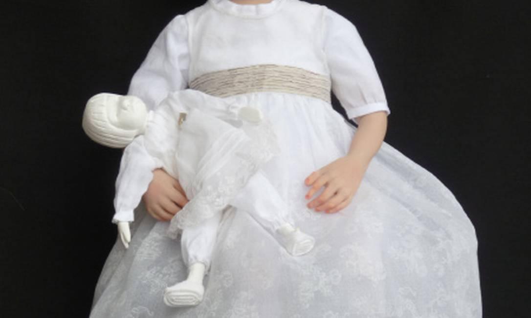 Segundo a artista, essas bonecas não foram feitas para brincar. Elas são itens de colecionadores, que estão dispostos a pagar até pelo mimo R$ 3.684 Reprodução