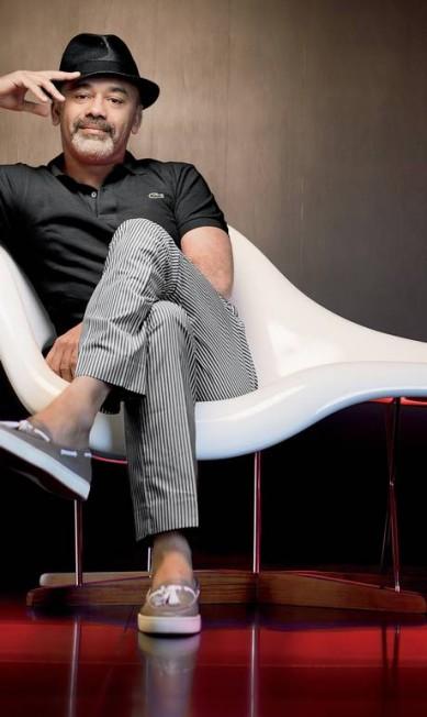 O designer de sapatos Christian Louboutin gostou tanto desta foto que pediu para usá-la como material de divulgação. Repare no piso vermelho, que faz referência ao seus famosos solados. Terceiro / Jairo Goldflus