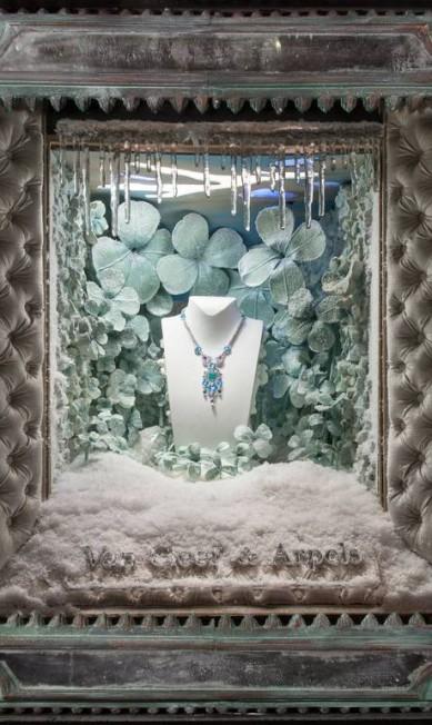 """O artista Douglas Little foi o responsável pela decoração: """"Quis criar um momento mágico para quem olhasse"""" Van Cleef & Arpels Facebook / Ricky Zahavi"""