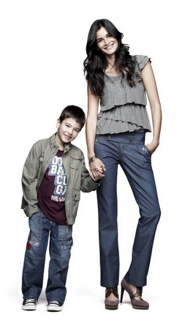 A top Caroline Ribeiro é mãe do menino João Felipe. Os dois chegaram a fotografar juntos para uma campanha da C&A Reprodução