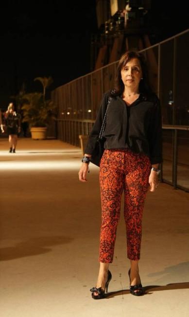 A advogada Valéria Meohas, 57, usou a calça estampada da Bobô para criar um look mais sofisticado com a camisa A-Teen, sapato Mixed e bolsa Chanel Laura Marques