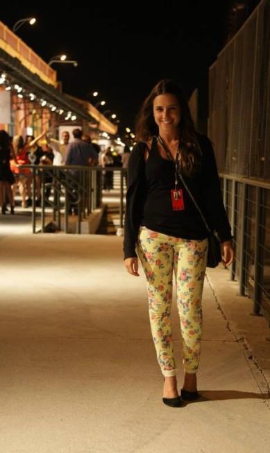 A produtora Luiza Toledo, 26, preferiu uma estampa rômantica. Ela veste cardigã Zara, calça Forum, bolsa Farm e anabela Arezzo Laura Marques