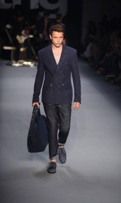 Para eles, o que chamou atenção foi a alfaiataria slim e as barras das calças dobradas Fabio Rossi