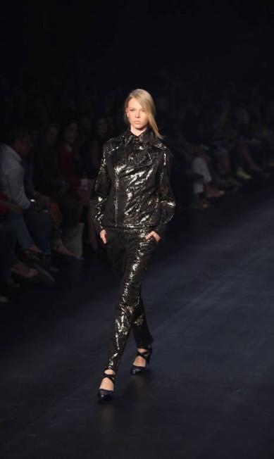 A tradicional jaqueta preta não ficou de fora Fabio Rossi