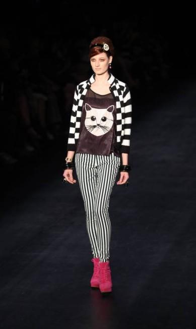 A gatinha Choupette, de Karl Lagerfeld, é uma aposta de estampa hit do inverno da marca Fabio Rossi
