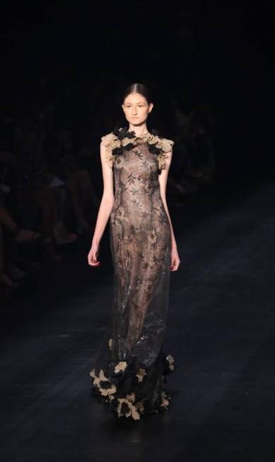 O longo transparente foi uma das apostas da estilista Fabio Rossi