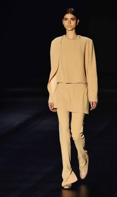 A grife Maria Garcia, que estava fora do line-up da São Paulo Fashion Week desde 2010, voltou trazendo o romantismo para as passarelas paulistanas Reinaldo Marques/free lancer / Reinaldo Marques / O Globo