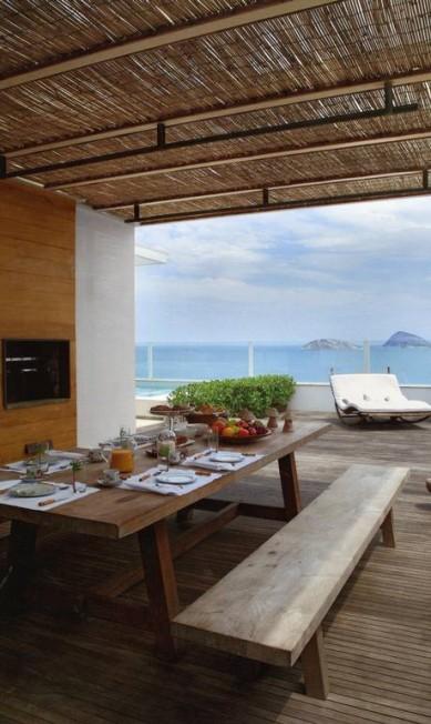 """""""Adoro casa, decoração e sempre tive vontade de fazer um livro que mostrasse o estilo de viver do Rio"""", disse a estilista Terceiro / Divulgação"""