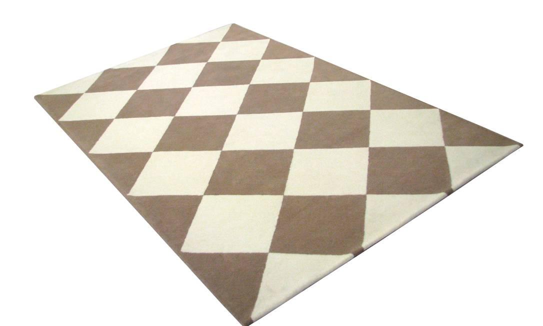 Tapete produzido em até 70 cores da Santa Mônica (21 3328-8927), R$ 852,50 por metro quadrado Divulgação