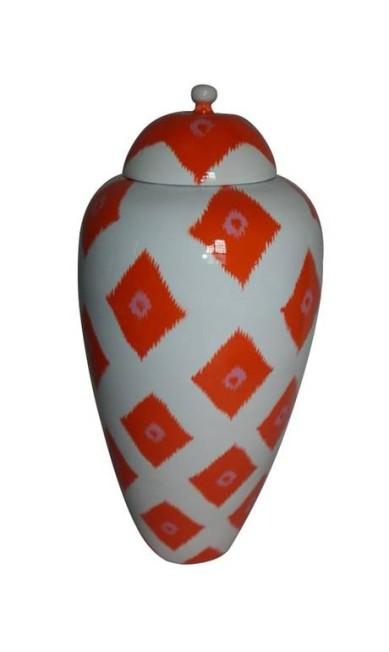 Potiche inspirado nas tapeçarias ikat em fibra de bambu que imita porcelana na Rosa Kochen (21 3411-9241), R$ 380 Divulgação
