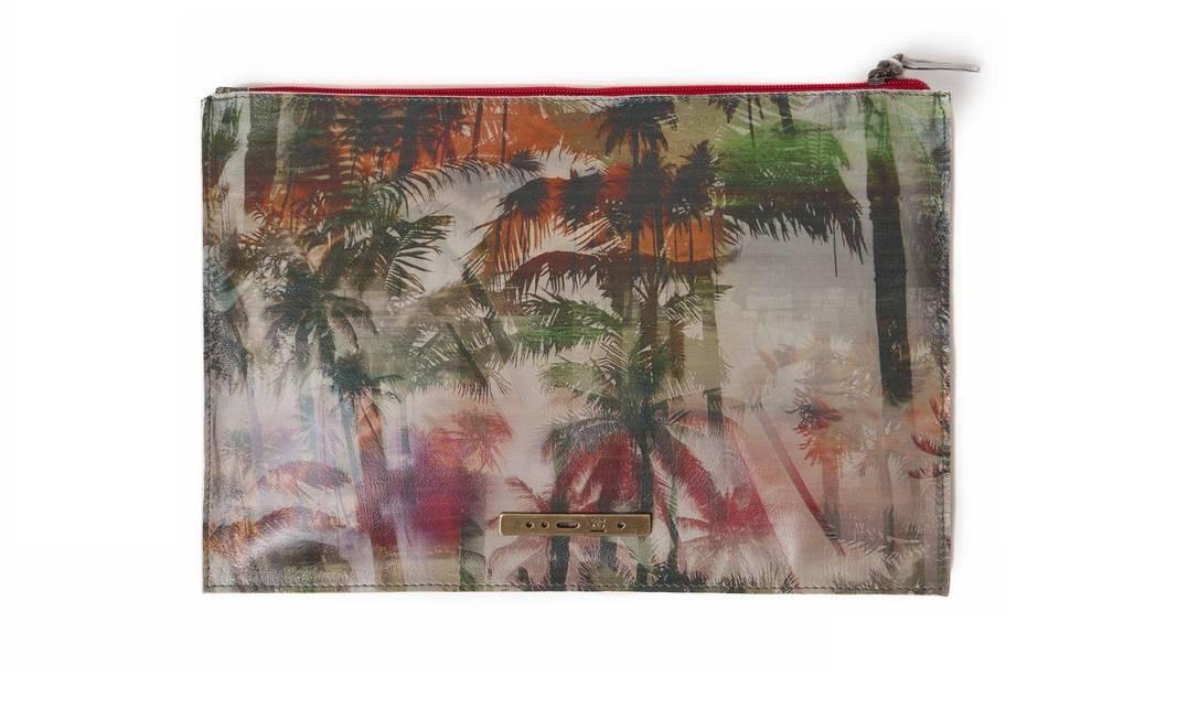 Porta iPad Cantão paisagem R$ 119 (Shopping Rio Sul) Divulgação
