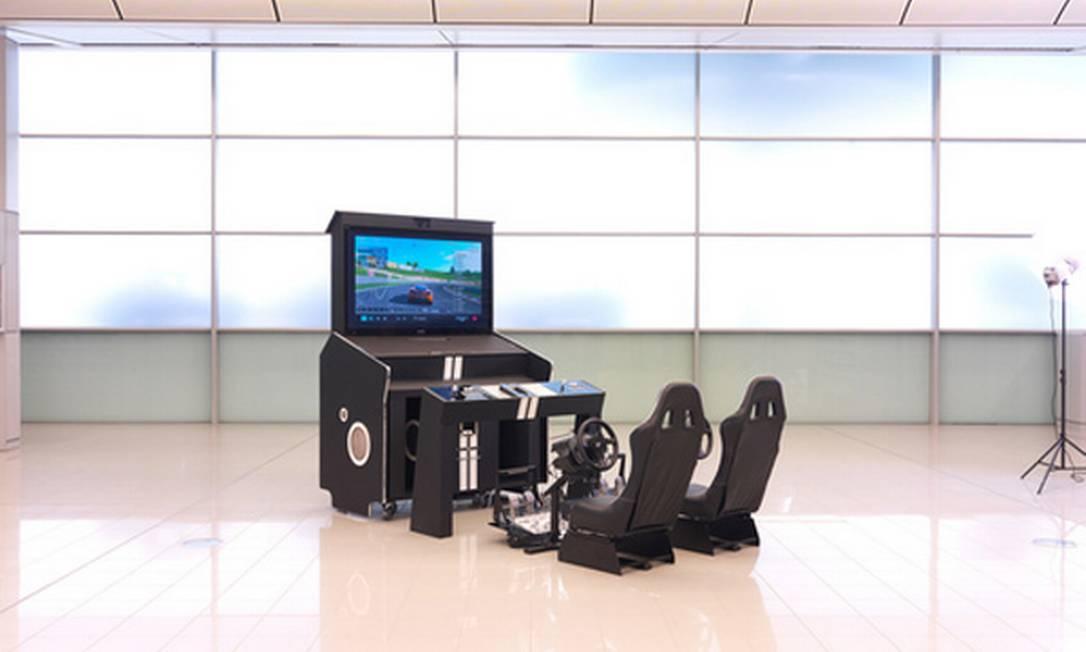 Para os fãs de video game, a loja sugere esse brinquedo que reúne assentos de corrida para os jogos de velocidade, microfones para as brincadeiras de música e muitos outros apetrechos. US$ 90 mil, ou R$ 180 mil Reprodução / Neiman Marcus