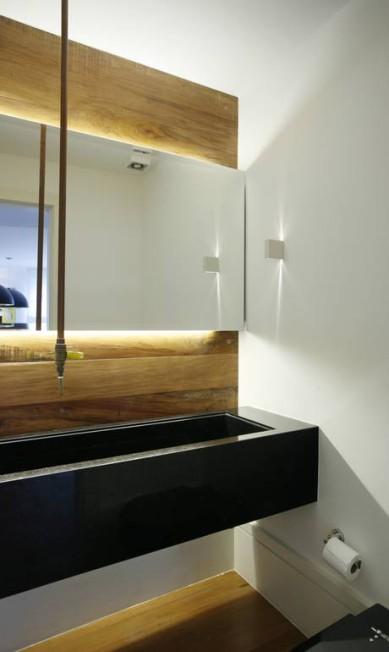 A arquiteta Roberta Moura usou uma bica no projeto de um lavado Terceiro / Divulgação