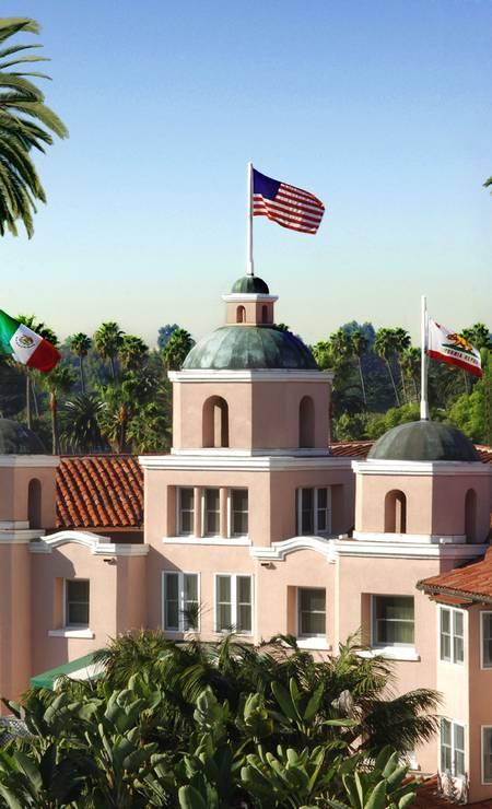 O hotel é conhecido como Palácio Rosa pela cor da fachada Foto: Cortesia do