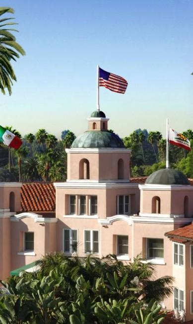 O hotel é conhecido como Palácio Rosa pela cor da fachada Cortesia do
