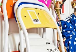 As cadeiras Pantone foram incorporadas ao mix da Farm Foto: Divulgação / Reprodução