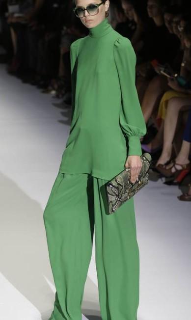 O verde também marcou presença no verão da Gucci Luca Bruno / AP