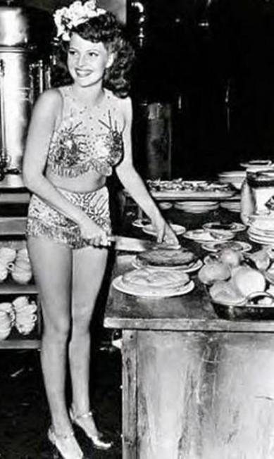 Rita Hayworth: nas telas, nunca houve uma mulher como Gilda, mas na cozinha, muitas foram melhores do que Rita Hayworth Reprodução