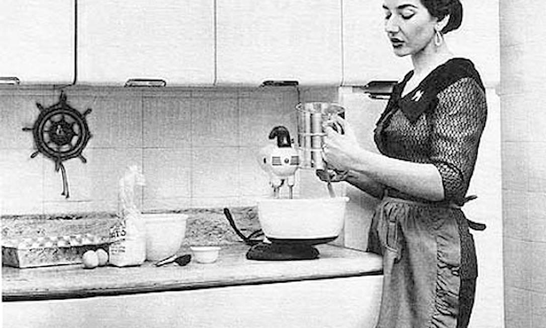 Maria Callas: a soprano grega fez de tudo para agarrar os homens pela boca. Sua almôndega com berinjela arrancava suspiros do milionário Aristóteles Onassis Terceiro / Reprodução