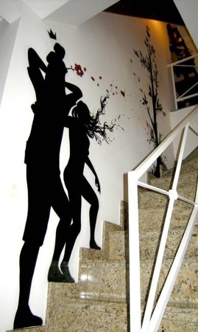 Para executar a arte na parede da sala do ator Mateus Solano, Ment precisou de apenas um dia Reprodução