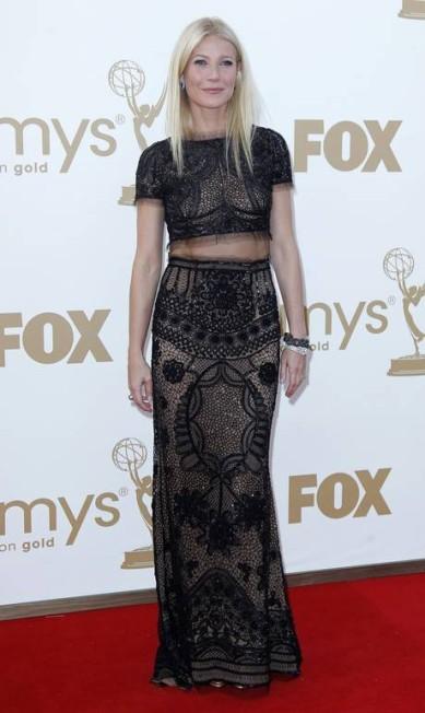 No Emmy 2011, Gwyneth optou em revelar a sua barriga. O look Pucci, no entanto, passou longe da vulgaridade DANNY MOLOSHOK / REUTERS