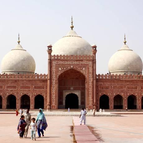 Mesquita na cidade de Lahore, a cerca de quatro horas de carro de Islamabad Foto: Almir Reis / Divulgação
