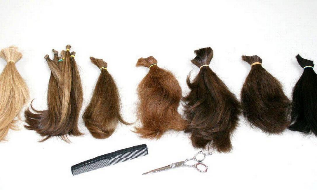 """O Instituto de Estética do Mississipi, nos Estados Unidos, recolheu, em 2007, 48,7 quilos de cabelo, doados por 881 pessoas, em 24 horas. O objetivo da campanha era arrecadar cabelos naturais para o projeto """"Beautiful Lengths"""" da marca Pantene, que ajuda mulheres que perderam seus fios em tratamentos contra o câncer Pantene Beautiful Lengths"""