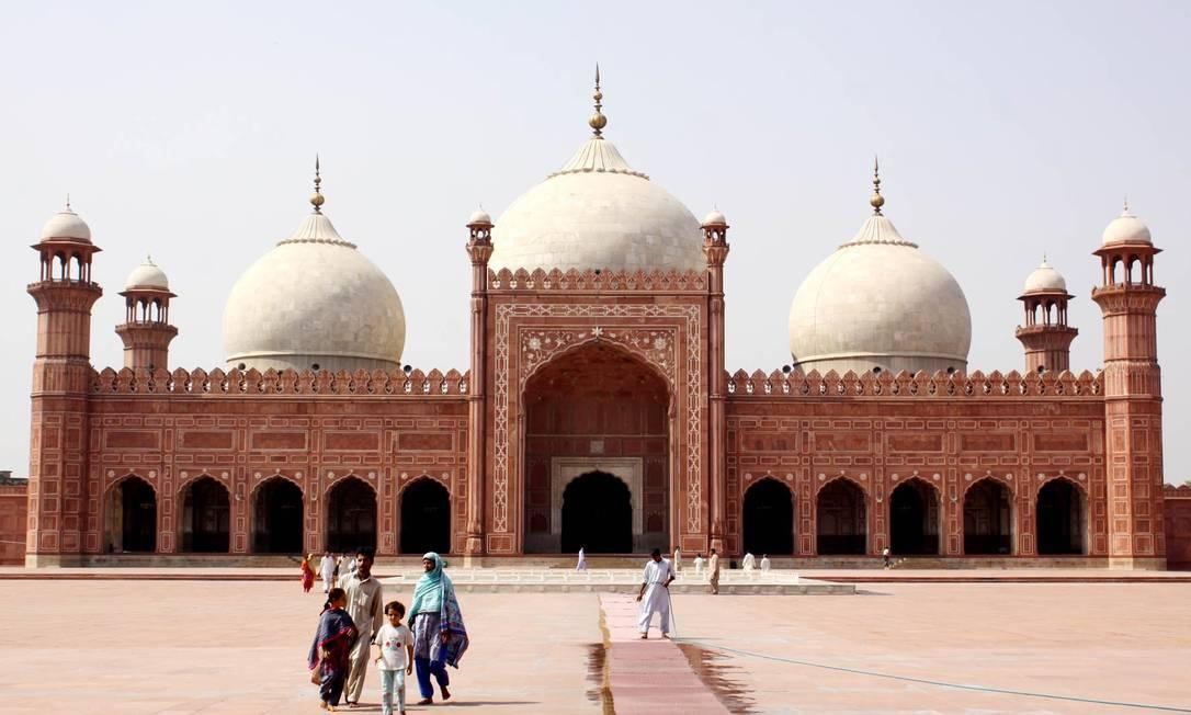 Mesquita de Badshashi, em Lahore, considerada um patrimônio islâmico. A maioria da população do país é mulçumana Almir Reis / Divulgação
