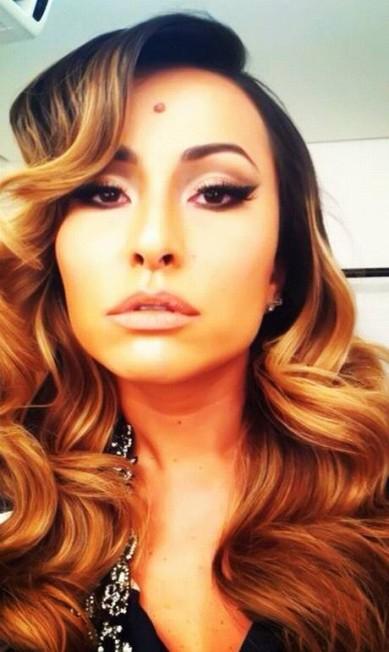 O maquiador carioca Rodrigo Costa revela que os olhos são importantíssimos no look da apresentadora Sabrina, que não abre mão de cílios postiços Arquivo Pessoal