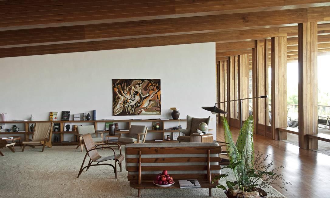 A deocração do lobby mistura madeira e estrutura de concreto Terceiro / Reprodução