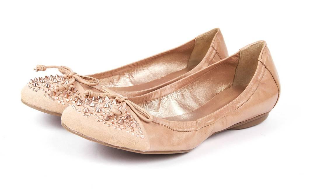 Os spikes também enfeitam as sapatilhas. Ágatha R$ 209 (Shopping Rio Sul, Rio de Janeiro, RJ)) Raphael Figueiredo / Divulgação