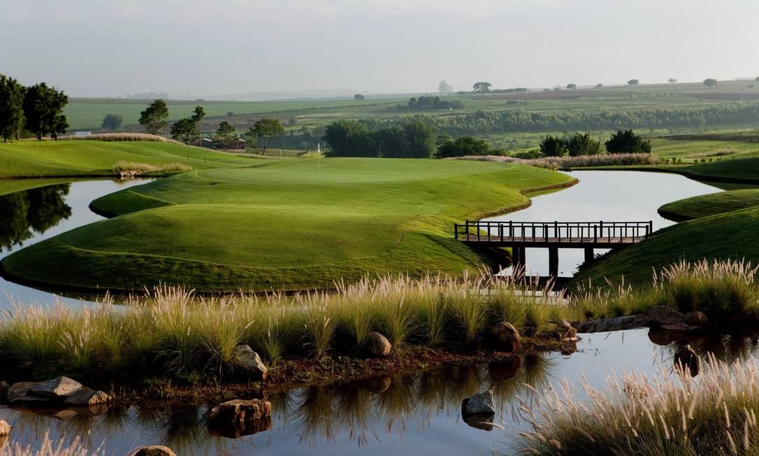 O terreno tem lagos, campos de polo e de golfe Terceiro / Reprodução