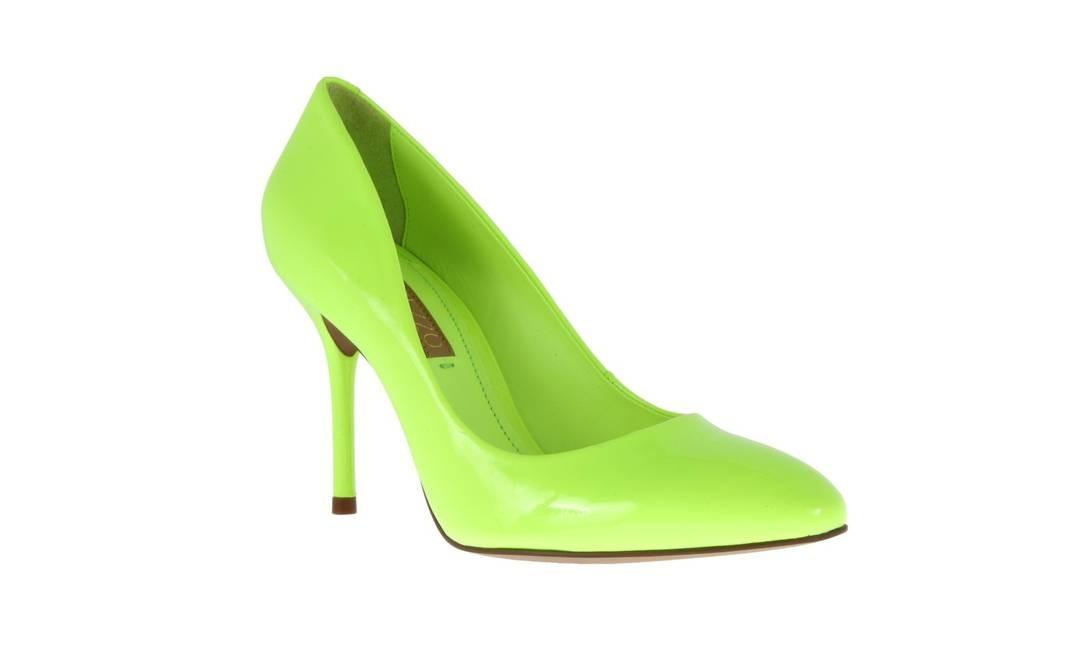 2fcc0055ca ... Scarpin verde neon Arezzo (tel  3201-2991)