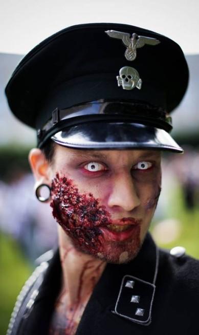A primeira marcha do gênero surgiu em 2001, na Califórnia, e já se espalhou entre os fãs de filmes de terror do mundo inteiro. JONATHAN NACKSTRAND / Jonathan Nackstrand/AFP