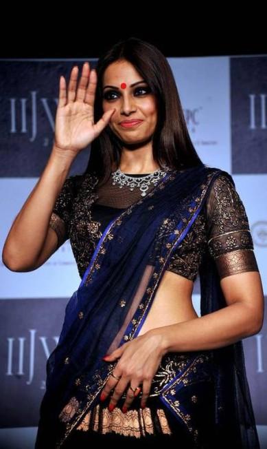 A atriz Bipasha Basu foi uma das mais discretas do evento: apenas dois anéis e um colar destacado, do designer Gitanjali AFP