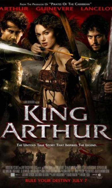 """A tendência também chegou ao cinema. A atriz Keira Knightley ganhou mais peito no pôster do filme """"Rei Arthur"""" Reprodução"""