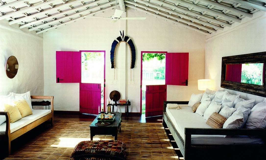Wilbert foi o responsável pelo projeto de todas as casas. Os espaços são compostos por materiais reciclados, antiguidades e obras de arte genuinamente brasileiras Divulgação / Fernando Lombardi