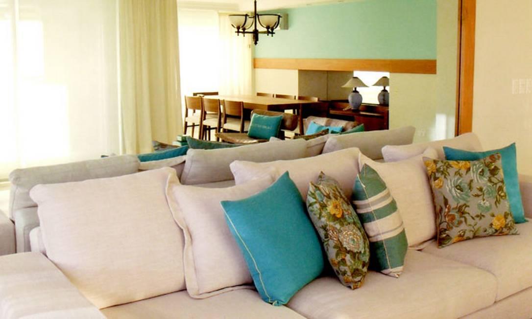 """No apartamento em Punta del Leste, o verde-azulado doi o tom escolhido por Ericka para compor o ar """"praia-chique"""" Arquivo pessoal"""