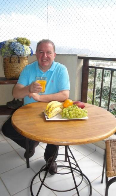 A varanda de seu apartamento na Barra da Tijuca é onde o chef Joachim Koerper gosta de tomar o café da manhã Arquivo pessoal