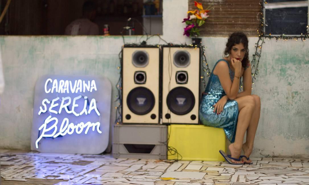 """O título do novo álbum da cantora, """"Caravana Sereia Bloom"""", tem inspirado os looks dos shows Foto: RENANCOSTALIMA.ORG / Divulgação"""