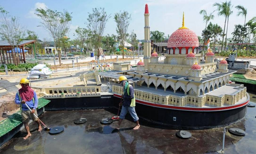 A mesquita de Putrajaya, localizada na Malásia, não foi esquecida AFP