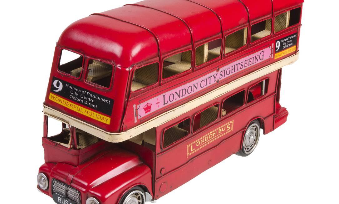 Enfeite ônibus London Fione 32 cm da Etna (021 3541-1010), R$ 109,90 Divulgação