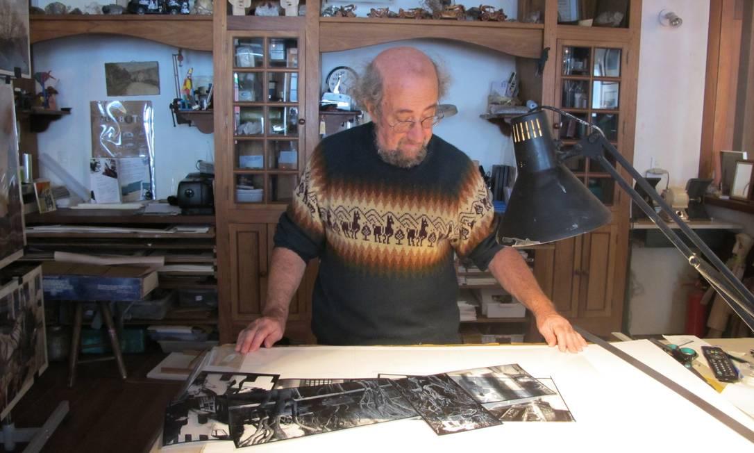 O artista plástico francês Patrick Allien é um faz tudo: em sua casa, dá para se encantar com joias de ouro e pedras preciosas, com heliogravuras e serigrafias Lívia Breves