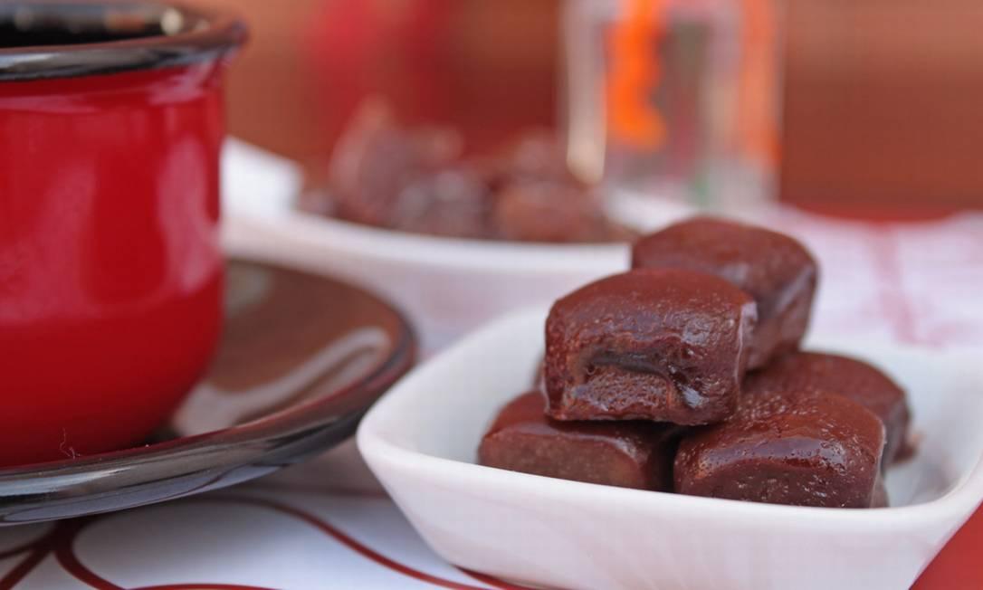 ... e servido com caramelos de chocolate Divulgação