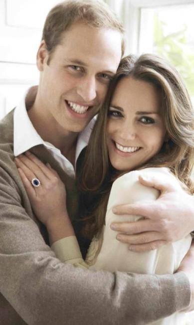 Uma das duas fotos oficiais do noivado de Will & Kate Mario Testino / AP