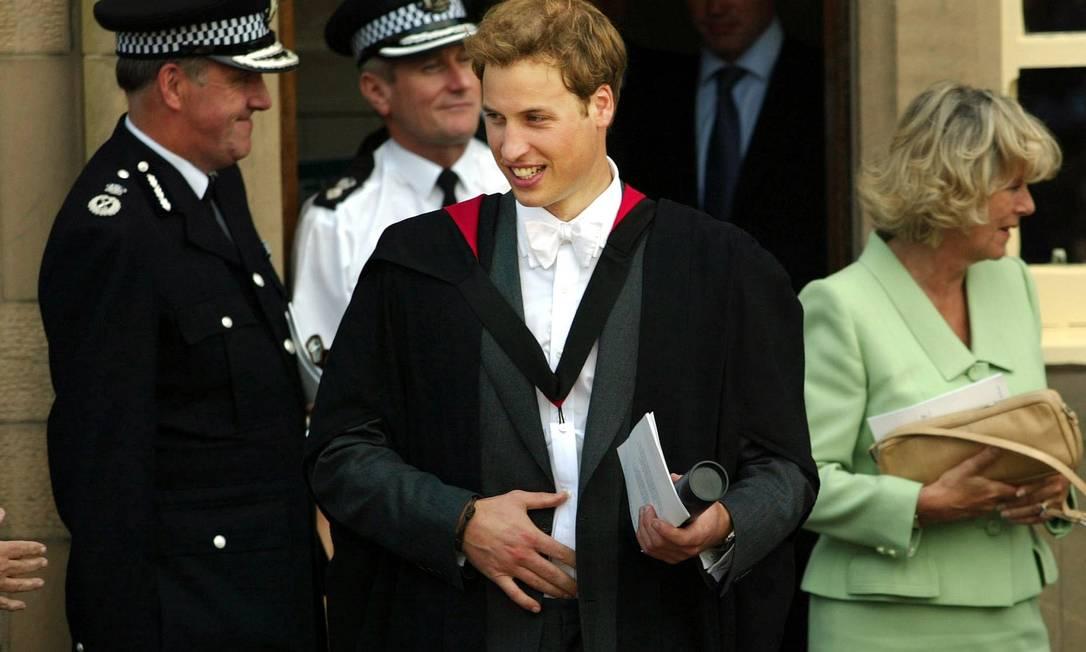William deixa a universidade de Saint Andrews após sua cerimônia de formatura (23 de junho de 2005) AFP